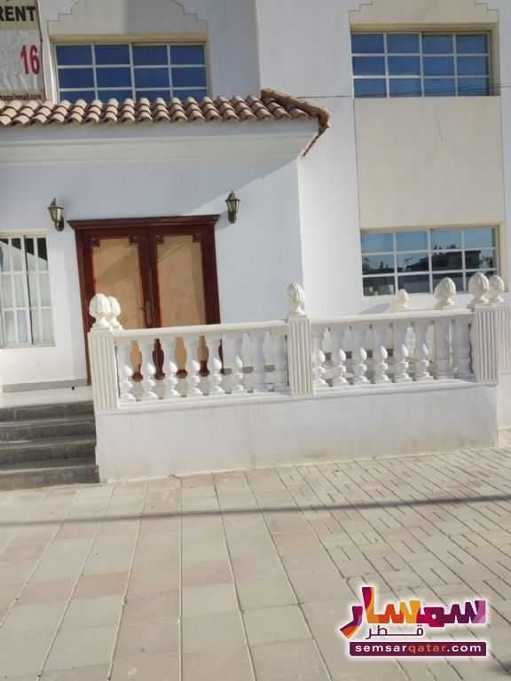Ad Photo: Villa 8 bedrooms 4 baths 860 sqm super lux in Al Nasr  Ad Dawhah